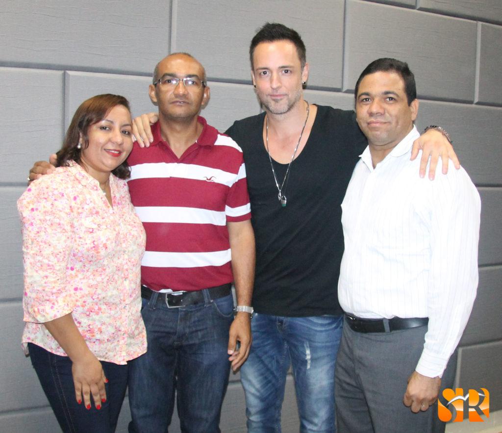 Profesora: Nelly Then, Juan Pablo Bourdierd, Étienne Drapeau y profesor Carlos Arroyo.