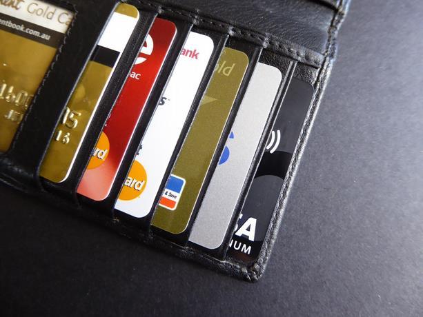 Muchas personas han sido estafadas a través de sus tarjetas.